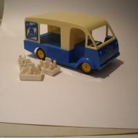 mettoy-872-milkfloat-1