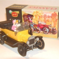 9012_1915_Model_T_Ford