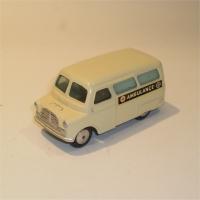 corgi-0412-bedford-ambulance-1