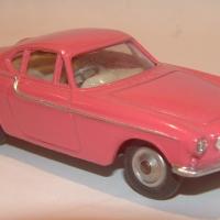 0228_Volvo_P1800_Pink