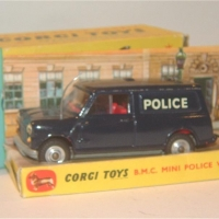 0448_Mini_Police_Van