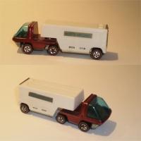 Hotwheels Moving Van - Red / White