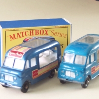 Matchbox 1-75 47b Icecream Van blue colour variants