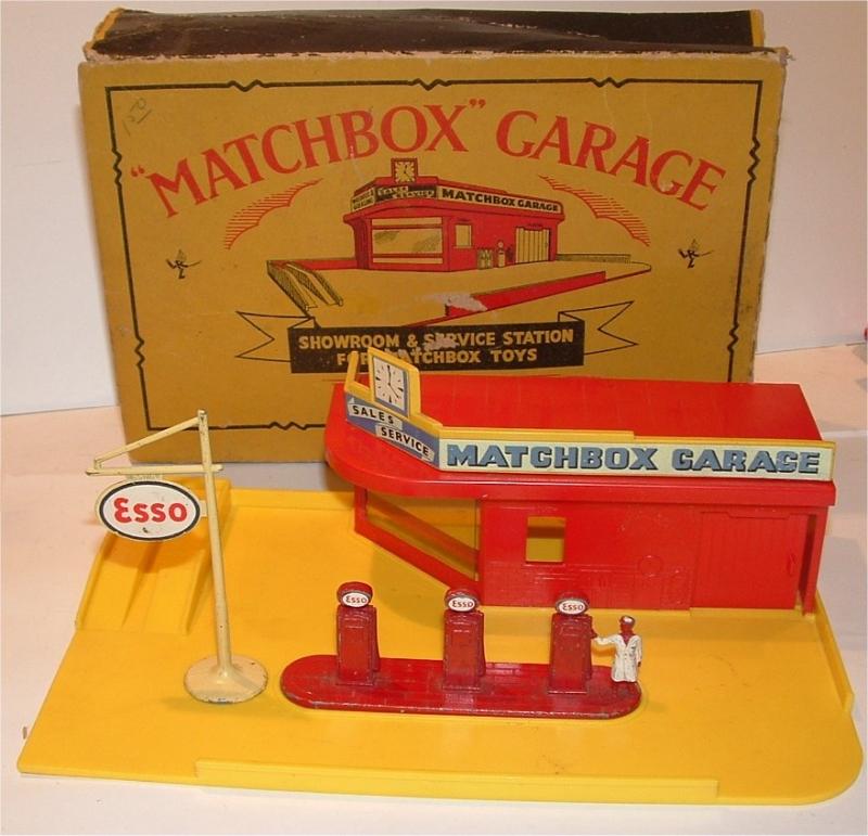 Matchbox Garage MG1 in Red