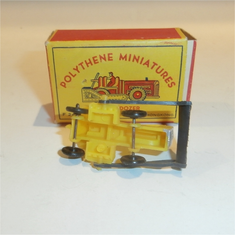 Polythene Miniatures 24-Dozer-3